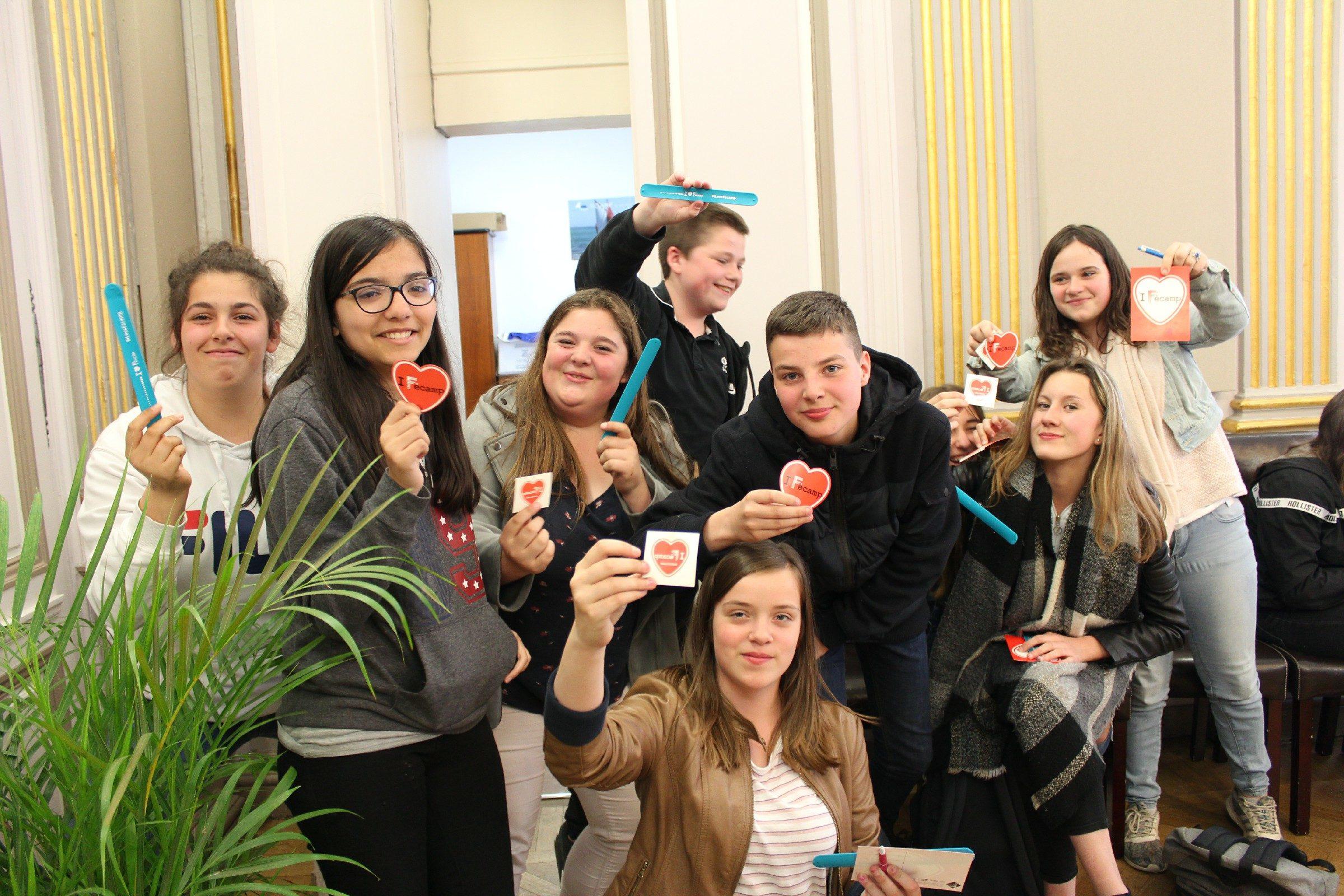 Les élèves ont reçu des cadeaux à la mairie de Fécamp.